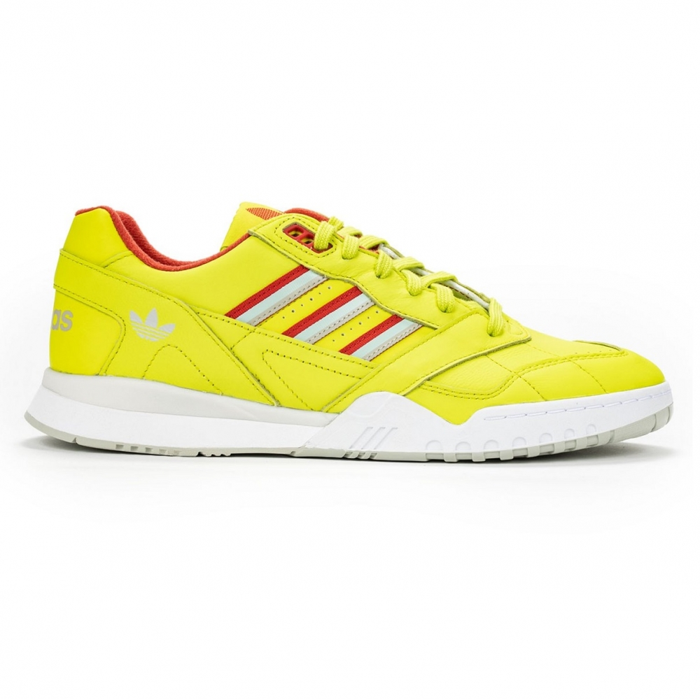 Adidas A.R Trainer Neon